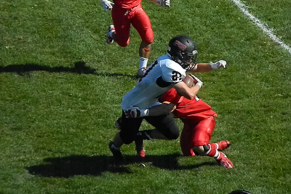 James Hirtle (21) makes a big stop on defense.