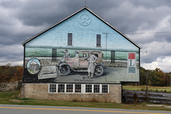 A mural along the Lincoln Highway.
