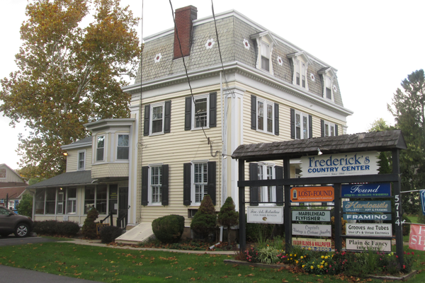 Frederick's Country Center holds shops and boutiques in the heart of Centreville.