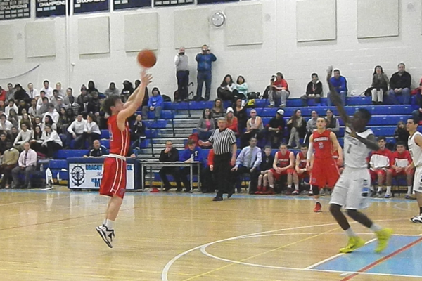 Nate Tenaglia shot 5-for-8 from three-point territory against Dracut.