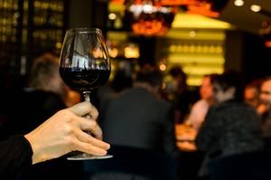 Medium_alcohol-dinner-drinking-4224