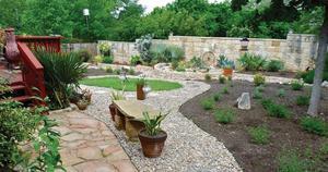 Medium lawn garden
