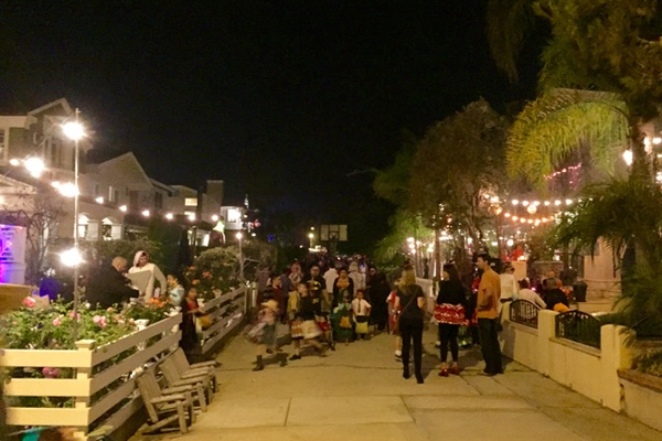 Trick-or-treating on 7th Street walk street