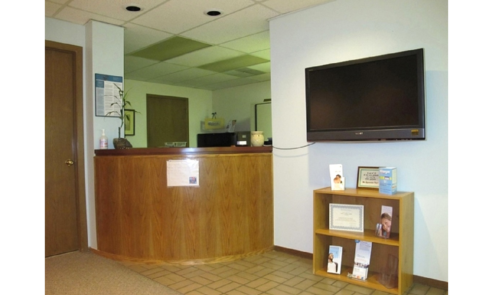 Front 20desk 20at 20holladay 20dental 20excellence 20lanap 20laser 20dentistry