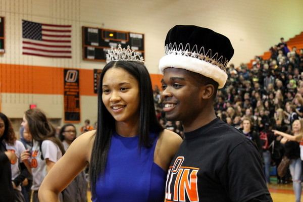 Kiara Russell and Allen Anderson at the Osseo Senior High Sno-Daze Pepfest 2016