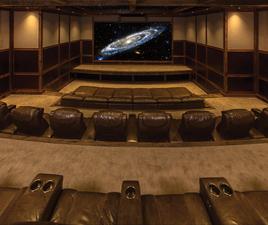 Medium moviebuff theater