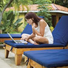 Medium 13262 benefits of a digital detox during summer travel