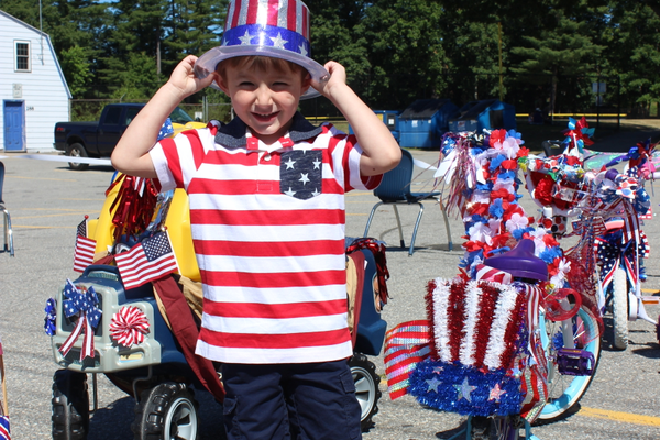 Matthew Merrill shows his patriotic spirit! (Alexis Margios photo)