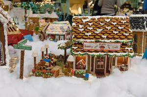 Medium gingerbread 20houses 20from 20facebook