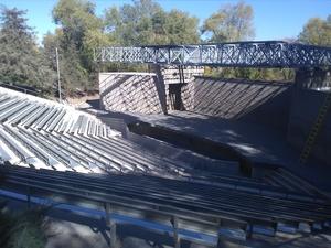 Medium roof 202