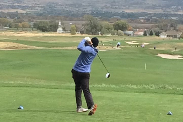 Bingham junior golfer Ethan Fowlks tees off at the state tournament (Kristen Fowlks/Resident)