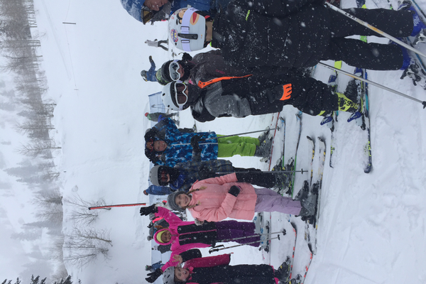 Students learn and practice basic skills from Ski Utah instructors. (Ali Brusa/Oakwood Elementary)