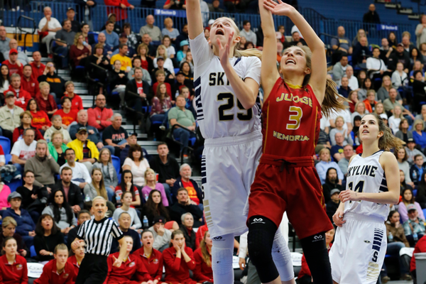 Junior Madison Grange puts up a shot in the 4A state championship game. (jorgiabarryphoto)