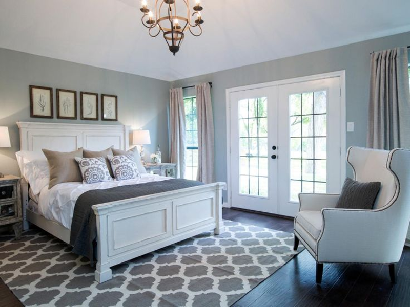 A Few Tips From Experts To Redo Your Master Bedroom