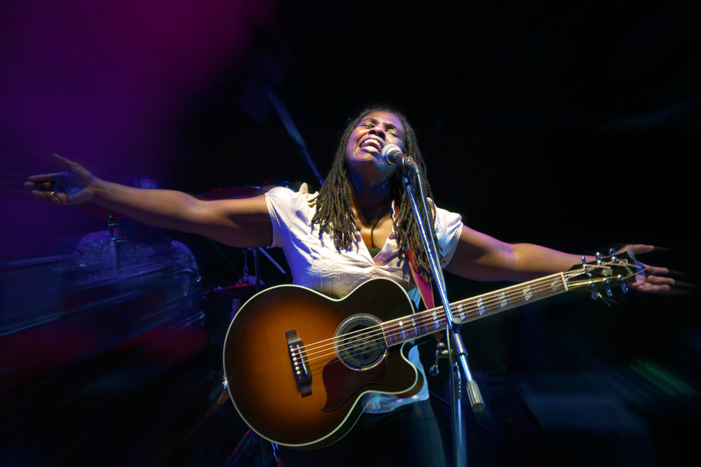 Ruthie foster photo by riccardo piccirillo