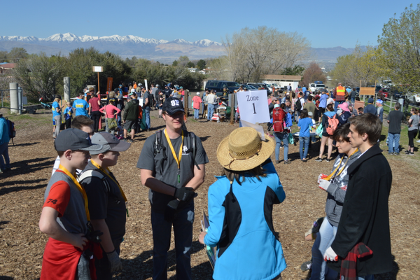 The 500+ volunteers were organized and assigned into different zones of the park beforehand.