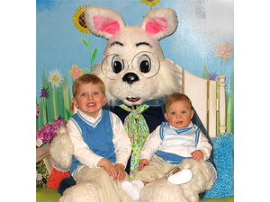 Pictures with the Easter Bunny in Claremont - start Apr 13 2019 1000AM