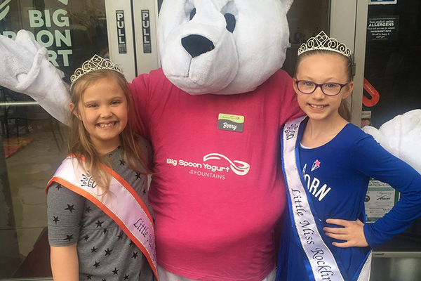 Little Miss Rocklin and Little Miss Roseville with Berry