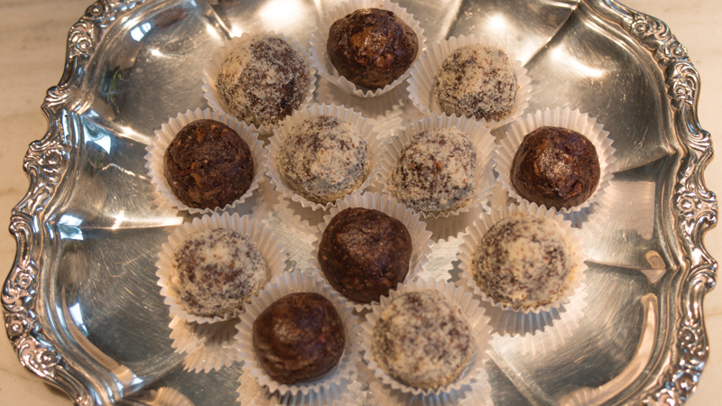 Almond Butter and Raw Cacao Chocolate Truffles Recipe