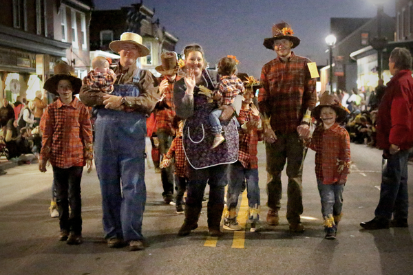 The Jackson Family poses in their scarecrow costumes.