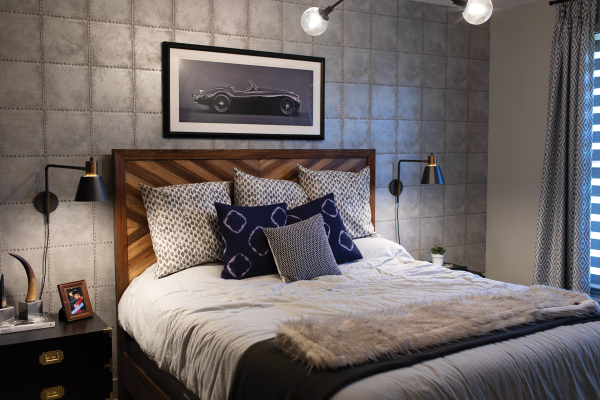 Brett Helling's bedroom, bed w/ wooden headboard