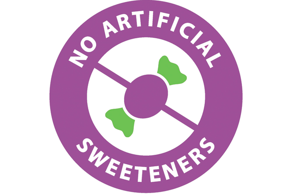 No artificial sweeteners sign with slash through piece of artificially sweetened candy