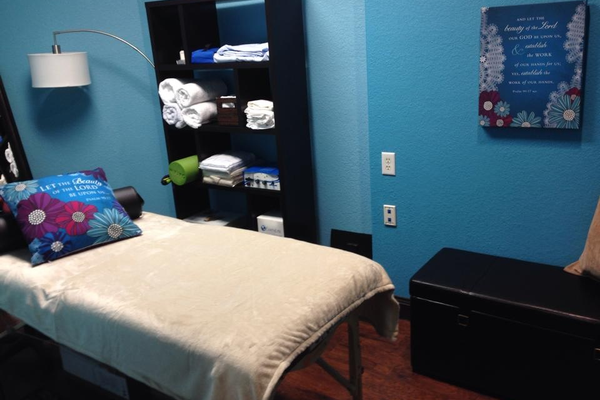 Body Balance room where Chelsea does hands on energetic work like the Hurley Method and Avazzia sessions. It is not for massage or chiropractic, but the back sure does like it!